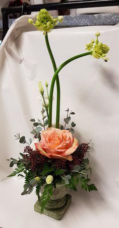 Tall flower arrangement ❤ Tall Flower Arrangements, Tall Flowers, Floral Wreath, Wreaths, Table Decorations, Home Decor, Tall Floral Arrangements, Decoration Home, Room Decor