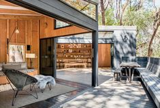 http://www.nytimes.com/2016/09/12/t-magazine/design/douglas-burnham-architect-cabins.html?smid=tw-tmagazine&smtyp=cur&module=Slide&region=SlideShowTopBar&version=SlideCard-8&action=Click&contentCollection=T%20Magazine&slideshowTitle=Super%20Cabins&currentSlide=8&entrySlide=1&pgtype=imageslideshow&_r=0