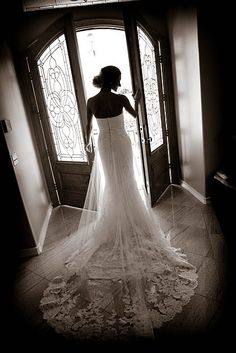 #WeddingPhotoIdea - Fresno Wedding Photographers At: http://www.fresnoweddings.net/photographers.html - - #FresnoWeddings #CaliforniaWeddings