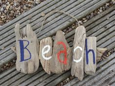 "driftwood ""beach"" sign www.meandtheecrafts.co.uk - idea to paint home name"