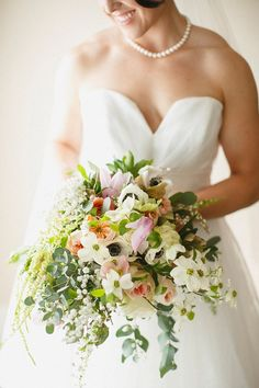 Gorgeous and romantic spring bridal bouquet