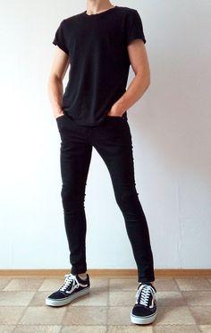 vans old skool black skinny jeans boys guys outfit Chinos Men Outfit, Black Jeans Outfit, Black Ripped Jeans, Skinny Jeans, Stylish Mens Outfits, Cool Outfits, Casual Outfits, Jean Outfits, Male Clothes