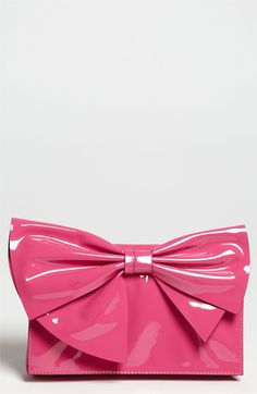 pink bow bag +++For guide + ideas on #style and #fashion, Visit http://www.makeupbymisscee.com/