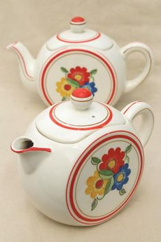 Vintage China Tea & Coffee Pots with Cottage-style, Hand-painted Floral Design .... made in Japan ....