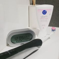 How Do You Brush Your Teeth With An Electric Toothbrush Check more at http://brushteethnow.com/how-do-you-brush-your-teeth-with-an-electric-toothbrush.html