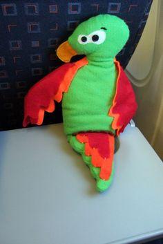 Funky Sunday: Des nouvelles des doudous: Les vacances du doudou Perroquet. plush, toy, peluche, parrot, holidays, fun