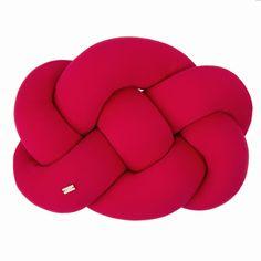 Poduszka w przepięknym malinowym odcieniu, aż chce się tulić. Dostępna w salonie Design Market Backrest Pillow, Pillows, Bed, Home, Design, Stream Bed, Ad Home, Homes