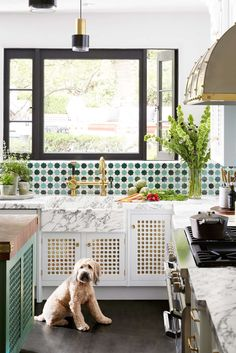 Kitchen of the Year 2018 - Photos of Martyn Lawrence Bullard 2018 Kitchen of the Year Kitchen Colors, Kitchen Design, Decoracion Vintage Chic, Anthropologie Home, Eclectic Living Room, Architecture, Decoration, House Colors, Home Crafts