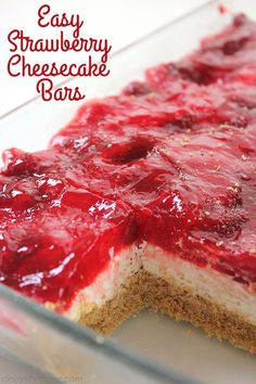 Easy Strawberry Cheesecake Bars - - Easy Strawberry Cheesecake Bars Recipes I Want to Try Easy Strawberry Cheesecake Bars – perfect for feeding a crowd at picnics, BBQ's and potlucks. Just a few ingredients and little time to whip up this tasty dessert. Quick Dessert Recipes, Desserts For A Crowd, Köstliche Desserts, Bbq Food For A Crowd, Easy Potluck Desserts, Crowd Recipes, Easy Summer Desserts, Easy Recipes, Desserts For Picnics