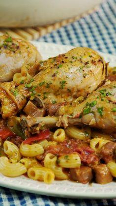 Chicken stew-Estofado de Pollo Add a delicious Pasta to your stew to make it perfect - Easy Family Dinners, Easy Healthy Dinners, Healthy Dinner Recipes, Fall Dinner Recipes, Lunch Recipes, Cooking Recipes, Gourmet Cooking, Chicken Drumstick Recipes, Baked Chicken Recipes
