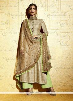 We offer huge collection of designer salwar kameez. Buy this khadi beige embroidered and resham work designer suit. Pakistani Suits, Indian Suits, Indian Attire, Anarkali Suits, Pakistani Dresses, Indian Wear, Punjabi Suits, Indian Dresses, Anarkali Churidar