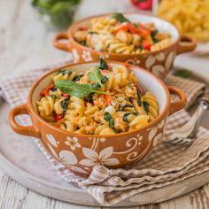 Cestoviny s kuracím mäsom Fusilli, Thai Red Curry, Ethnic Recipes, Food, Essen, Meals, Yemek, Eten