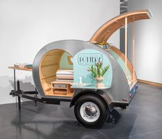 Andrea Denniston's teardrop trailer. This is a mobile gallery. For more on this, take a look at the February 2017 issue of Ceramics Monthly.