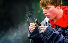 jongens die vuurwerk afsteken - Google-Suche
