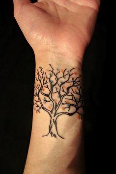 15 Tree Tattoo Designs You Won't Miss