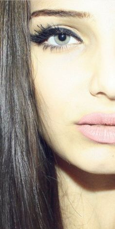 Re-create this look with SCOUT Cosmetics black mineral chubbi eyeliner pencil and Lead Free Lips (Shade Truth).