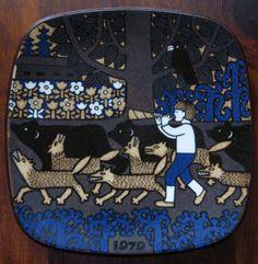 1979 Arabia Finland Kalevala annual plate designed by Raija Uosikkinen Russian Mythology, Plate Design, Farm Yard, Marimekko, Fabric Art, Finland, Louis Vuitton Monogram, Scandinavian, Fairy Tales