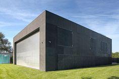 KWK Promes. The Safe House - дом, превращающийся в убежище.