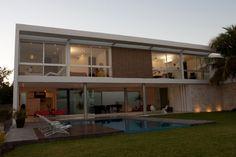 Casa LL / Augusto Quijano arquitectos