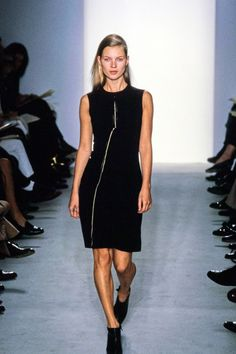 Calvin Klein Collection Fall 1997 Ready-to-Wear Fashion Show - Kate Moss