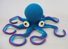 Crochet a Giant Octopus Amigurumi – So Fun and the Pattern is FREE!