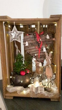 Wine box decorated for Christmas crate decoration Christmas wine box … Christmas Gift Baskets, Christmas Wine, Christmas Wreaths, Christmas Crafts, Christmas Decorations, Xmas, Holiday Decor, Wooden Crates Gifts, Basket Decoration