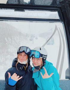 Cute Friend Pictures, Best Friend Pictures, Mode Au Ski, Snowboard Girl, Ski Girl, Ski Season, San Martin, Winter Pictures, Cute Friends