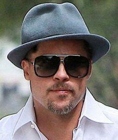 Brad Pitt porte des lunettes Marc Jacobs MJ 252/S Square Aviator        http://www.visiofactory.com/fr/lunettes-de-soleil/2627-lunettes-de-soleil-marc-jacobs-mj-252-s-square-aviator-807-3h-noir-827886987351.html