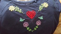 Brooch, Sweatshirts, Sweaters, Jewelry, Fashion, Moda, Jewlery, Jewerly, Fashion Styles
