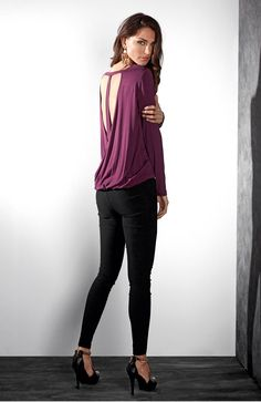ROCK'N'BOLD Wygodna, dżersejowa bluzka marki TrulyMine,119 zł + czarne, wąskie spodnie z bengaliny ze stretchem, 189 zł.