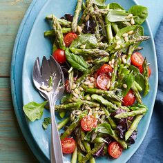 Topped with Parmesan cheese and pine nuts, this tasty green salad is perfect for any barbeque or picnic. Spinach Strawberry Salad, Watermelon Salad, Spinach Salads, Fruit Salad, Asparagus Side Dish, Fresh Asparagus, Asparagus Salad, Diabetic Living Magazine, Tomato Salad Recipes