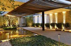 Jardim do paisagista Alex Hanazaki tem 800 metros quadrados de área e foi inspirado nas lembranças de sua infância, no interior de São Paulo  :imagem 32
