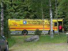 Kutemajärven talouskaupan kauppa-auto Kangasniemellä. Those Were The Days, The Old Days, Good Old Times, Retro, Ancient History, Finland, Childhood Memories, Nostalgia, Old Things