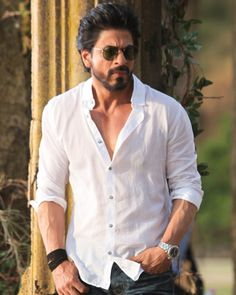 What matters the most to Shah Rukh Khan? Shahrukh Khan, Shah Rukh Khan Movies, Indian Celebrities, Bollywood Celebrities, Bollywood Stars, Bollywood News, Richest Actors, Sr K, Actors Images
