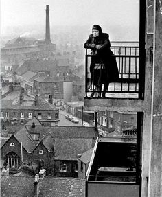 Violet Carson (Ena Sharples in Coronation Street), Manchester. Great Photos, Old Photos, Vintage Photos, Coronation Street Blog, Waterloo Road, Salford, Slums, Manchester, Old Things