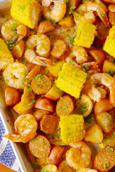 Everything you love about a good ol' fashioned shrimp boil, minus the mess. Everything you love about a good ol' fashioned shrimp boil, minus the mess.