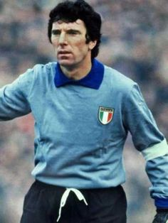 Dino Zoff of Italy in Football Design, Sport Football, Football Players, Word Cup, Image Foot, Sports Celebrities, World Cup Final, Centenario, Sport 2