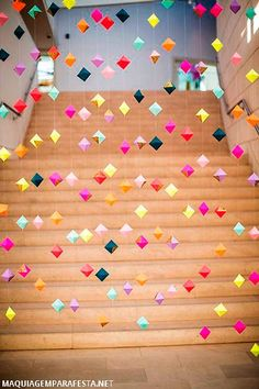 16 Origami Pieces to Buy or DIY for Your Home DIY this origami garland for your next party. Party Girlande, Craft Projects, Projects To Try, Weekend Projects, Diy And Crafts, Arts And Crafts, Party Crafts, Do It Yourself Baby, Valentines Day Weddings