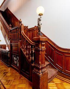 https://flic.kr/p/J4hFnX   Brooklyn Saint Johns Place  Victorian foyer stairwaystairway foyer Victorian woodwork   Photo taken from the real estate MLS