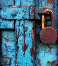 The rust really makes this image pop against the aqua. It's beautiful.