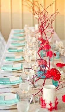 I love red & aqua for a party colour scheme (used turquoise & red for my wedding) - via Lover.ly