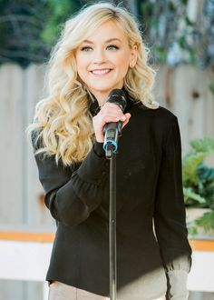 #EmilyKinney performs 'Never Leave L.A' during Home & Family TV on Hallmark Channel on January 12, 2016