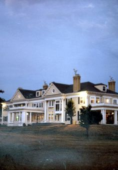 The Endicott Estate, Dedham...I used to drive by here everyday on my way to work.  I always wanted to have my wedding here!!