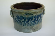 Rare American Blue Decorated Stoneware For Sale: Beaver County Pennsylvania Cobalt Decorated 3 Gallon Cake Crock Antique Crocks, Old Crocks, Antique Stoneware, Stoneware Crocks, Antique Shops, Rare Antique, Glazes For Pottery, Glazed Pottery, Butter Crock