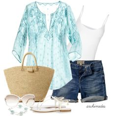 Beachy and fun. Embrace your femininity in this gorgeous tunic. Wow. So very pretty.