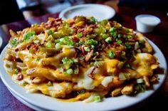 Loaded Bacon Cheese Fries ♡(∩o∩)♡ Bacon Cheese Fries, French Fries Recipe, Food Porn, I Love Food, Great Recipes, The Best, Macaroni And Cheese, Delish, Yummy Yummy