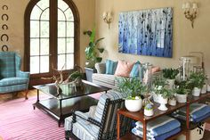 This Atlanta Interior Design project was to be decidedly comfortable – a place where friends and family could drink lemonade by the pool, sit on the sofa in wet swimsuits, or take a quick nap out of the sun. Interior by Summer Thornton Design