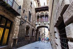 Place: Barrio Gotico, Barcelona / Catalonia, Spain. Photo by: Bok Yoon (500px.com)