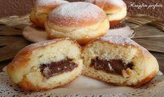I krapfen alla marmellata o alla nutella sono una specialità trentina.I krapfen perfetti sono sofficissimi bomboloni di pasta lievitata, fritti ma poco unti