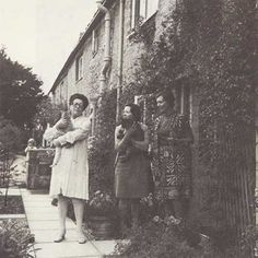 Marvelous Spinster Barbara Pym At 100 - The Awl: A photo taken by Philip Larkin of, from left, Monica Jones; and Barbara Pym. Reading Books, Writing A Book, Books To Read, Crazy Cat Lady, Crazy Cats, Authors, Writers, Philip Larkin, English Poets